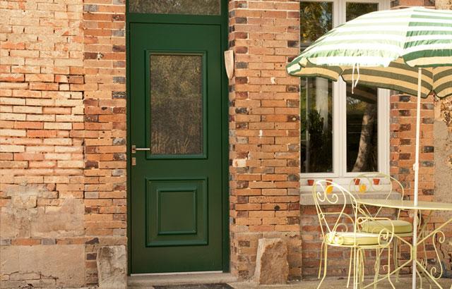 choisir une moulure porte fronton pour changer et choisir des portes duarmoires de cuisine et. Black Bedroom Furniture Sets. Home Design Ideas